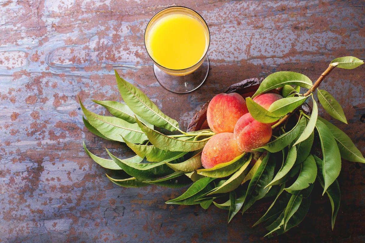 Peach Juice and fresh peaches fiber