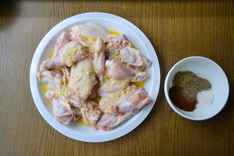 Keto air fryer chicken wings prep