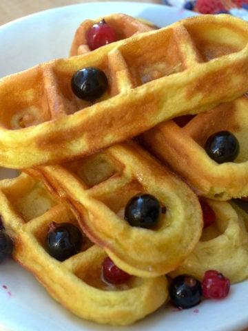 Keto cream cheese waffle sticks with berries