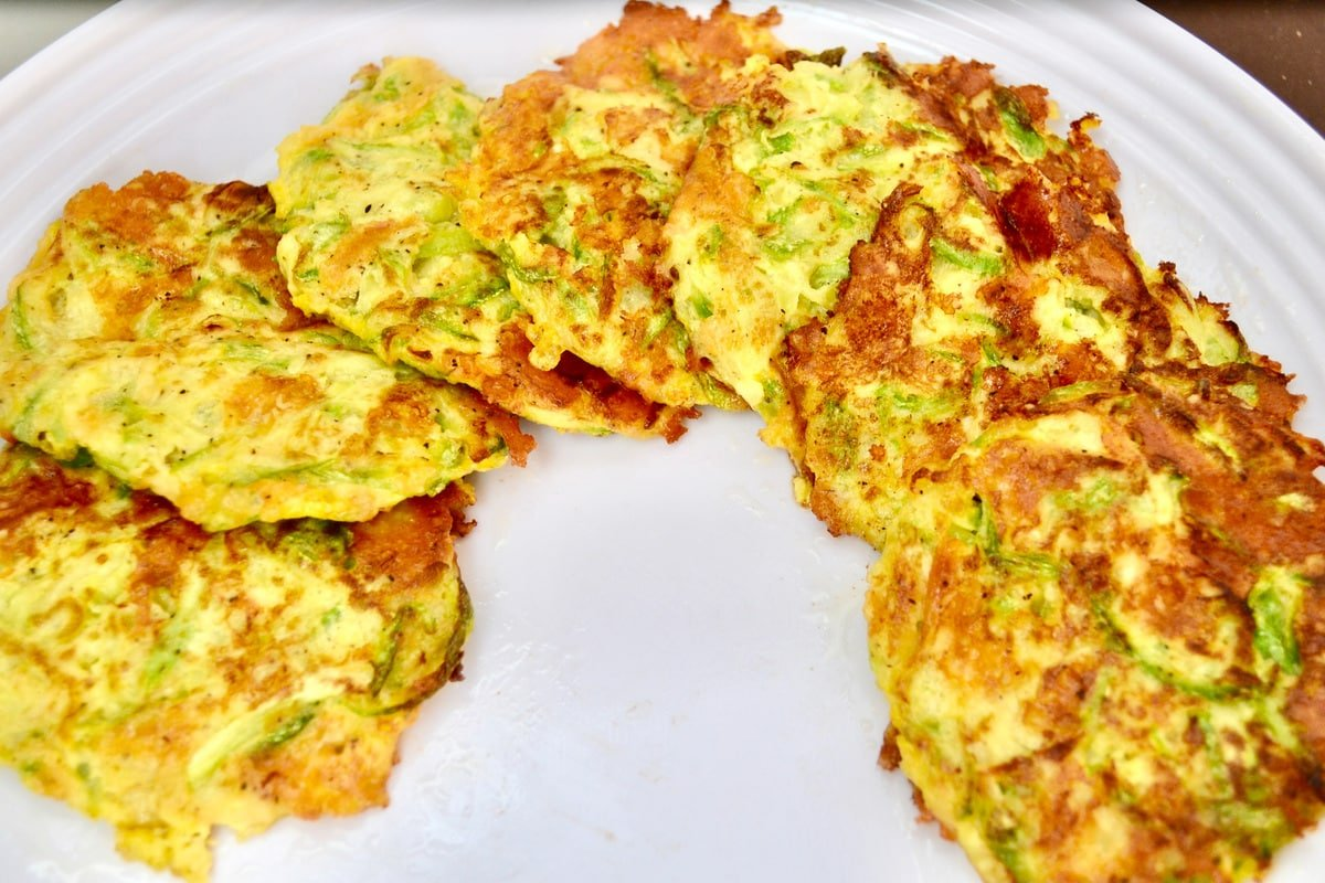 Freshly cooked zucchini fritters