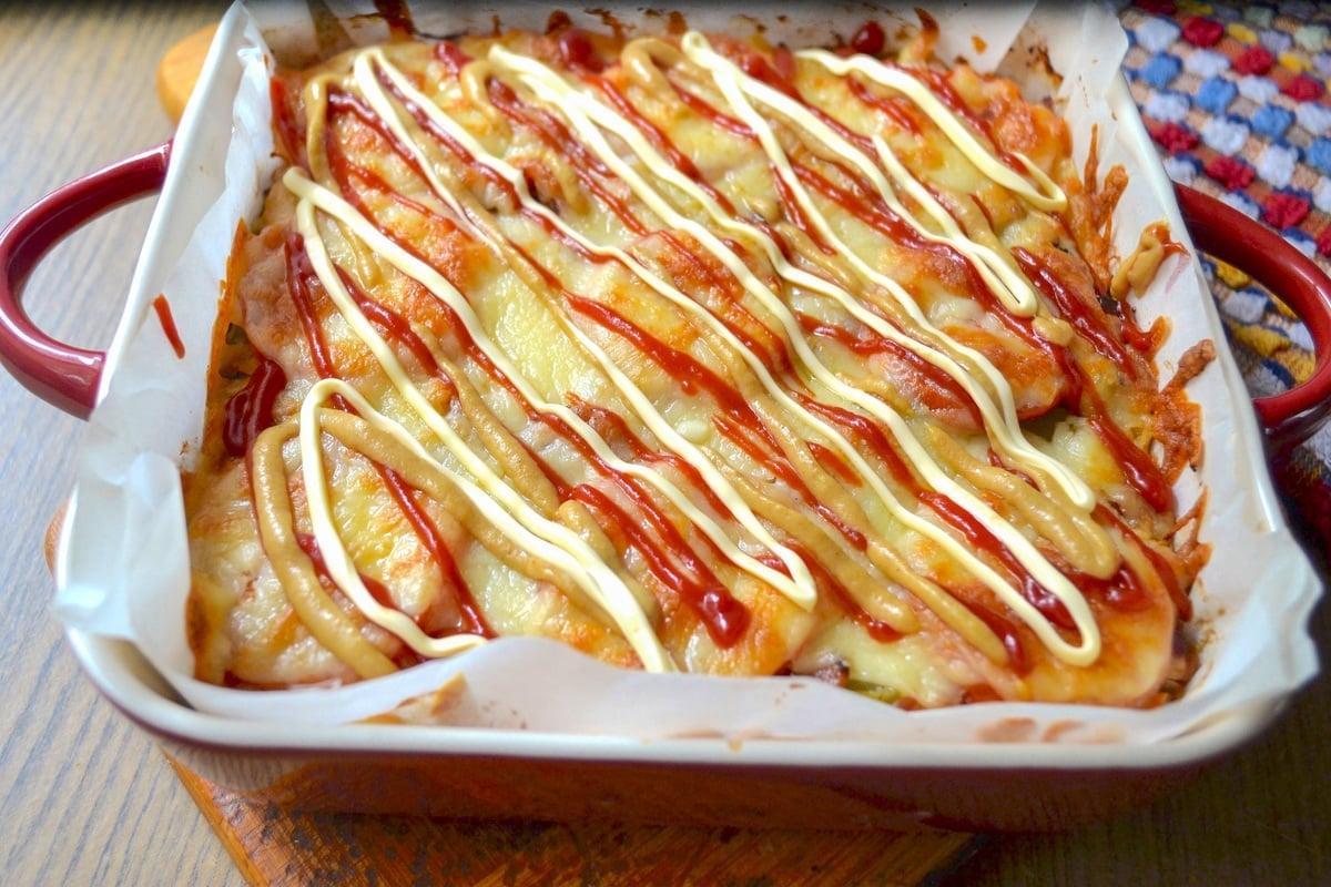 Keto Cheeseburger Casserole with sauce