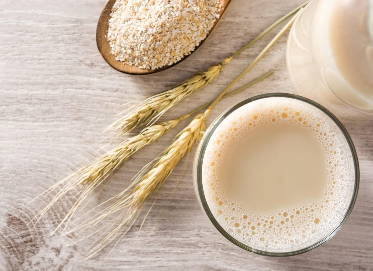 Oat Milk vs Cow's Milk