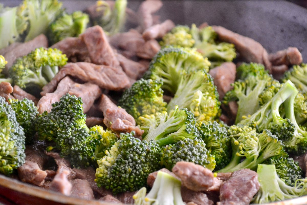 Keto Beef and Broccoli Stir Fry cooking