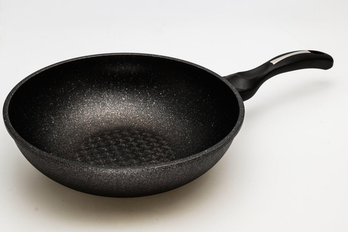 ceramic coated cast iron frying pan